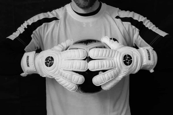 SAVIOUR GK CLASSIC White Roll Finger GOALKEEPER GLOVES